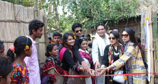 দেশের স্বনামধন্য শিল্পীরা একটিপ শেখ হাসিনা সেলাই কেন্দ্র উদ্বোধন করছেন   Renowned artists of the country inaugurating of the Sheikh Hasina Sewing Centres.