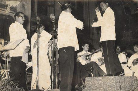 Tum Gagan Ke Chandrama Ho (Raga Yaman) – Hindi Film Song – Sati Savitri (1964)